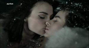 La belle endormie 2010 with English Subtitles 7