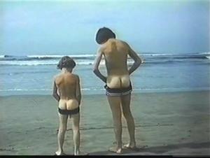 Playa prohibida 1985 with English Subtitles 8