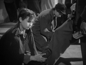 Shoeshine 1946 with English Subtitles 4
