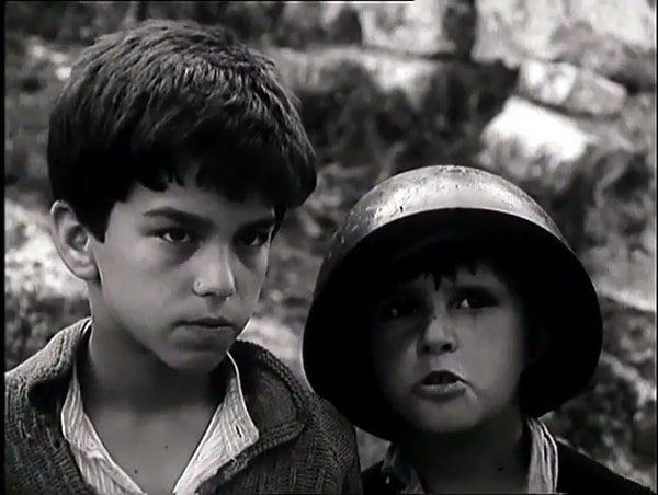 Tomka dhe Shoket e tij 1977 with English Subtitles 1