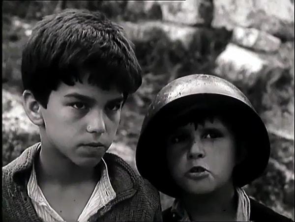 Tomka dhe Shoket e tij 1977 with English Subtitles
